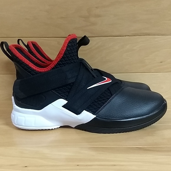 separation shoes b2104 d2ba9 Nike Lebron Soldier XII 12 GS Shoe AA1352-001 NWT